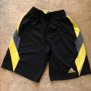 Adidas basketball shorts size men S